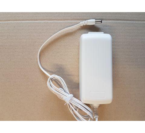 12V PSU 3.5A Desktop WHITE [3385] + 2m Fig 8 lead